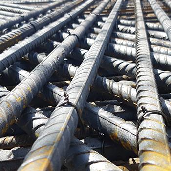 Barra de ferro 5/16 em Juquery