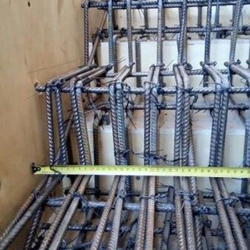 Ferro para Escada Cascata em Água Branca